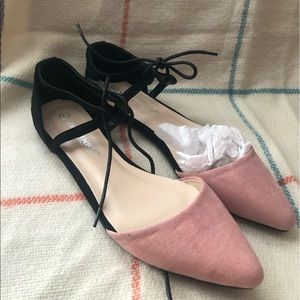 Via Pinky Co. new pink and black flats